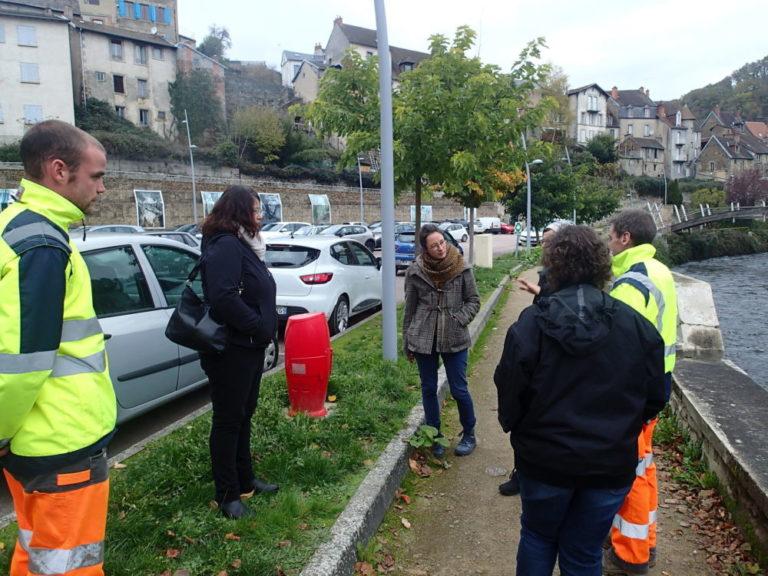 Visite du centre-bourg de Champagnat avec les élues et l'agent municipal